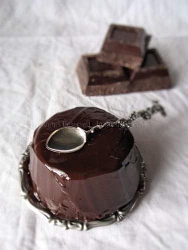 tortino paradiso glassato al cioccolato fondente.jpg